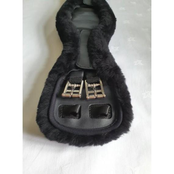 Leather anatomisk dressurgjord med ull fra Mattes